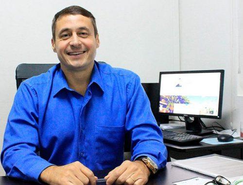 Marquinho de Abreu assina projeto com sete vereadores
